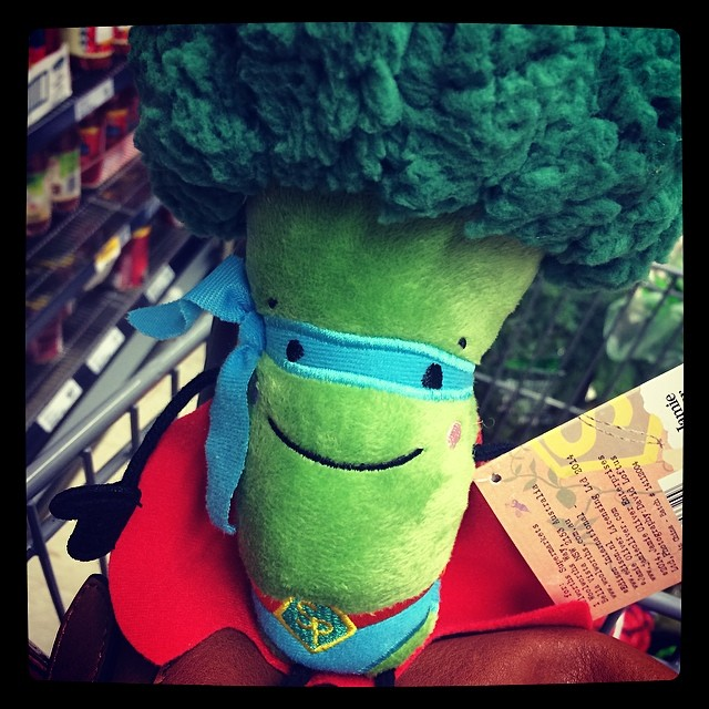 How seriously cute is this Super Broccoli? I have to take it home !!