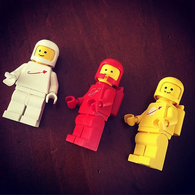 I found these little vintage guys in Ben's Lego. I think little fingers have taken them from my brothers collection......sorry Uncle Darrin 😕