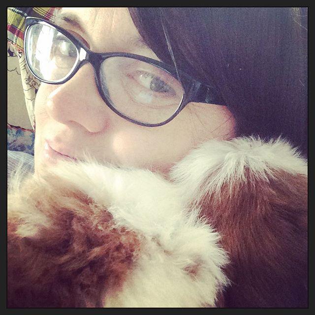 She snuggles ️
