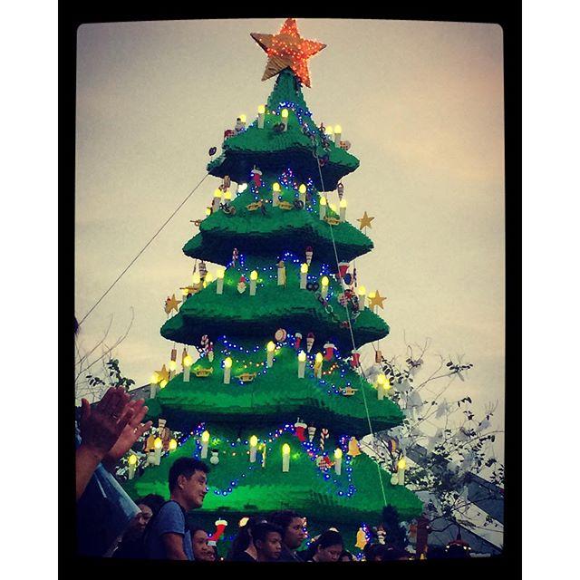 Asia's Duplo Christmas Tree