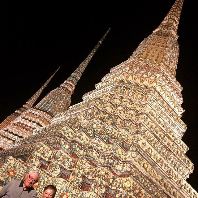 Night Tuk Tuk.....seeing some sights
