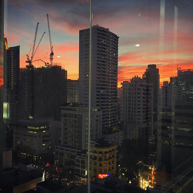 Absolutely beautiful sunset here in Bangkok tonight