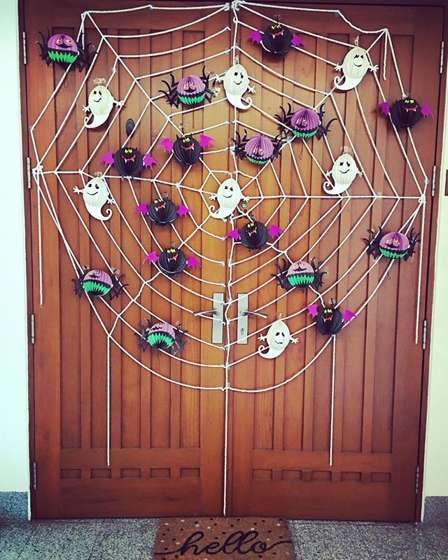 As Australians we haven't really got into the whole Halloween  business. However it's a big deal in our building. This is my attempt. It is pretty Family friendly considering some of the decorations I have seen here. I'm all ready for the trick or treaters. Bring on the lolly binge