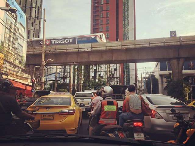 So it's been a couple of weeks and my driving is a little better in Bangkok. I have been told the key is move with the traffic - don't stop. So today that included driving on the wrong side of the road and going through two red lights . I took these pictures while sitting in traffic. There are lots of interesting vehicles on the road here.