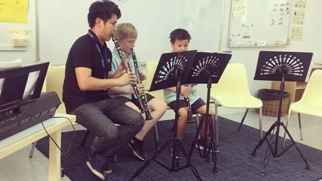 Ben's last concert for the school year. Such an improvement (not as many squeaks). Many thanks to his teacher Wan and his mate Oscar.