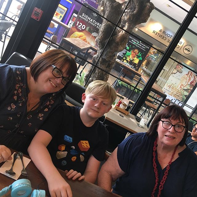 Lunch out with my 'Oldies' ️