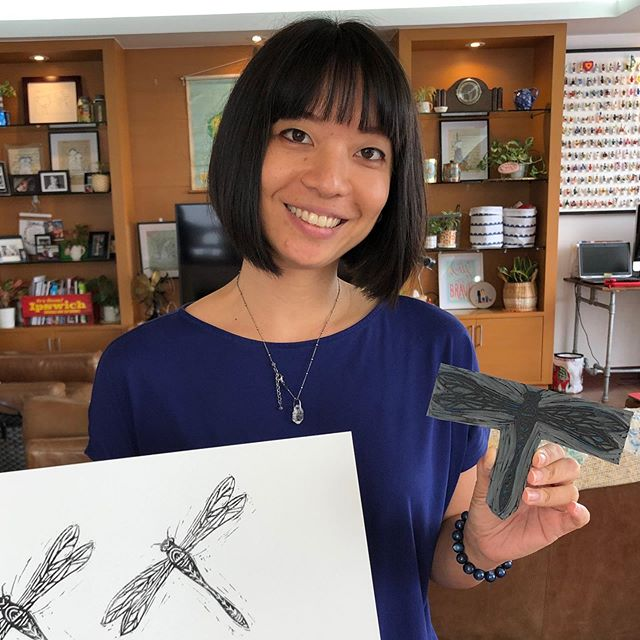 Rachel's dragonfly......so clever! Lino Art & Essential Oil workshop. #younglivingessentialoils